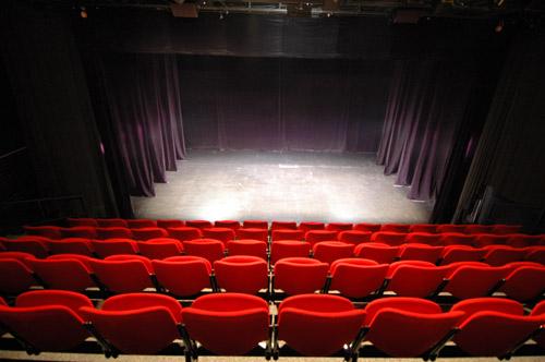 salle_theatre1.jpg
